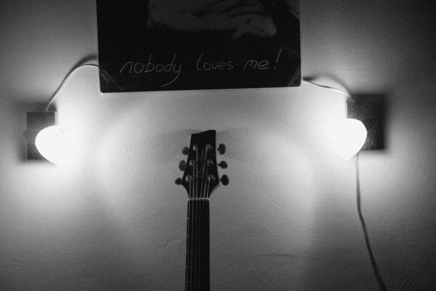 Nobody loves me, b&w