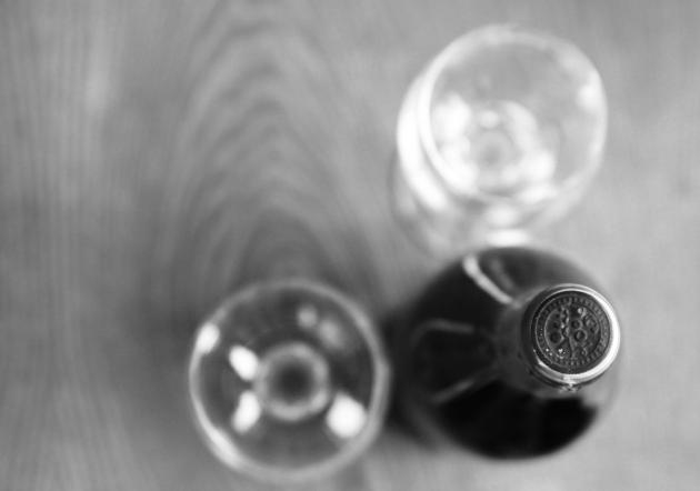 wine, b&w